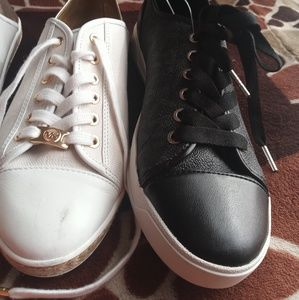 pair of shoes black